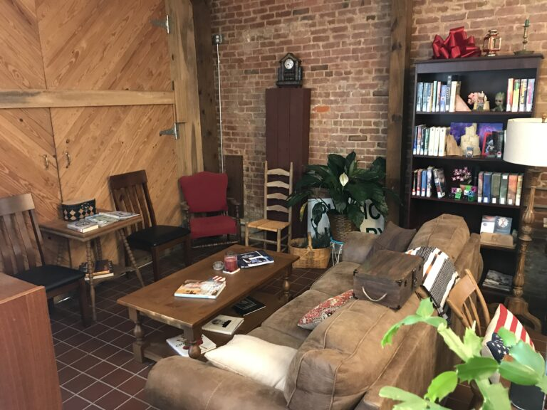 Jemison, Alabama Library - Reading area